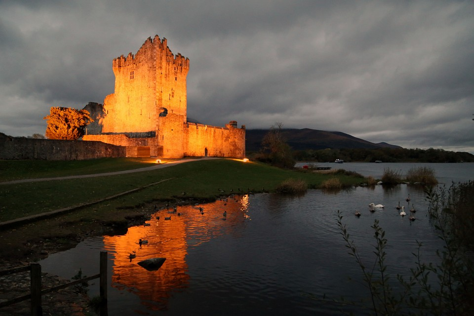 Ross Aglow - Ross Castle