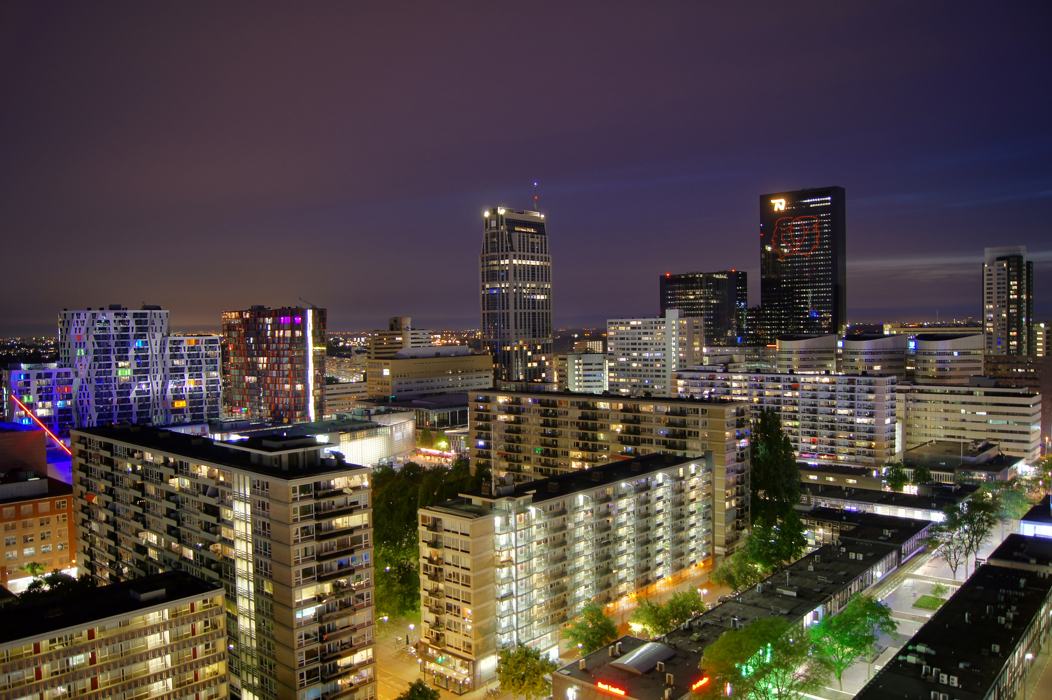 Rotterdam centrum cityscape by night