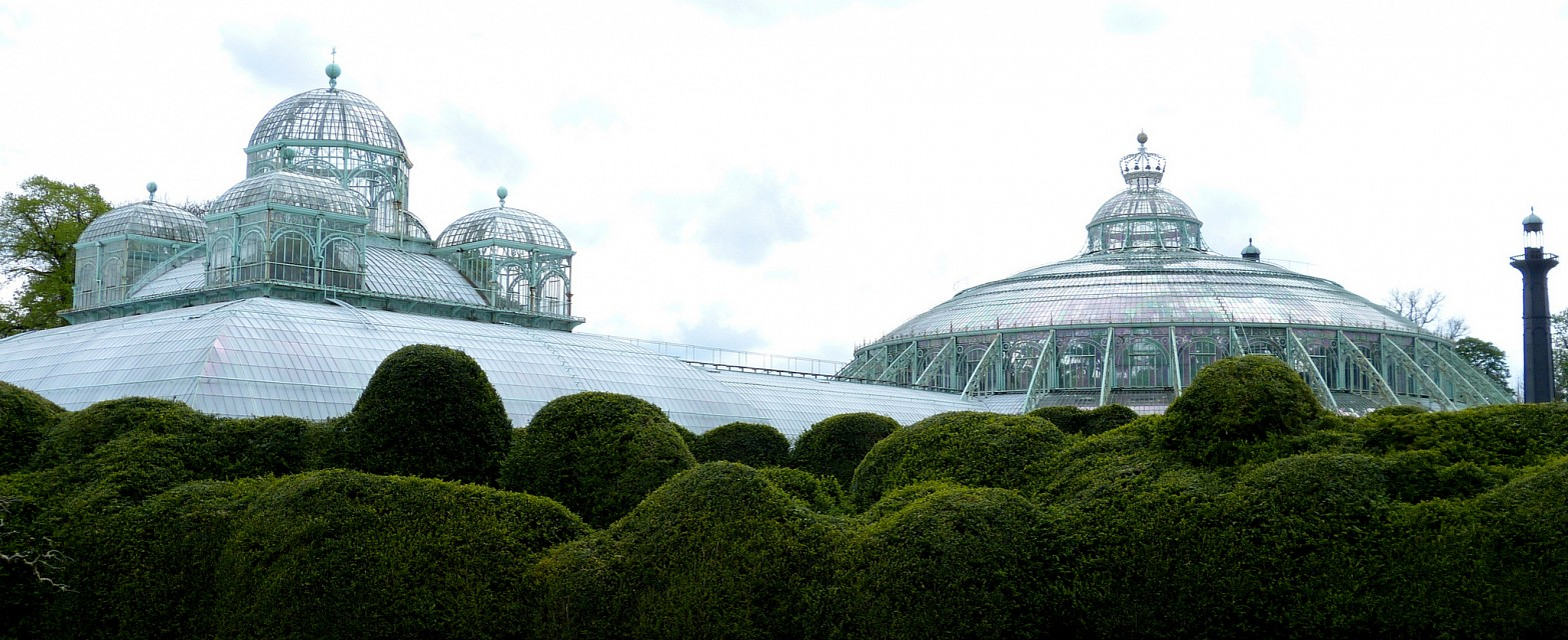Royal greenhouse of Laeken, Brussels : Congo greenhouse (left) and large winter garden (on the right) - Royal Greenhouses of Laeken