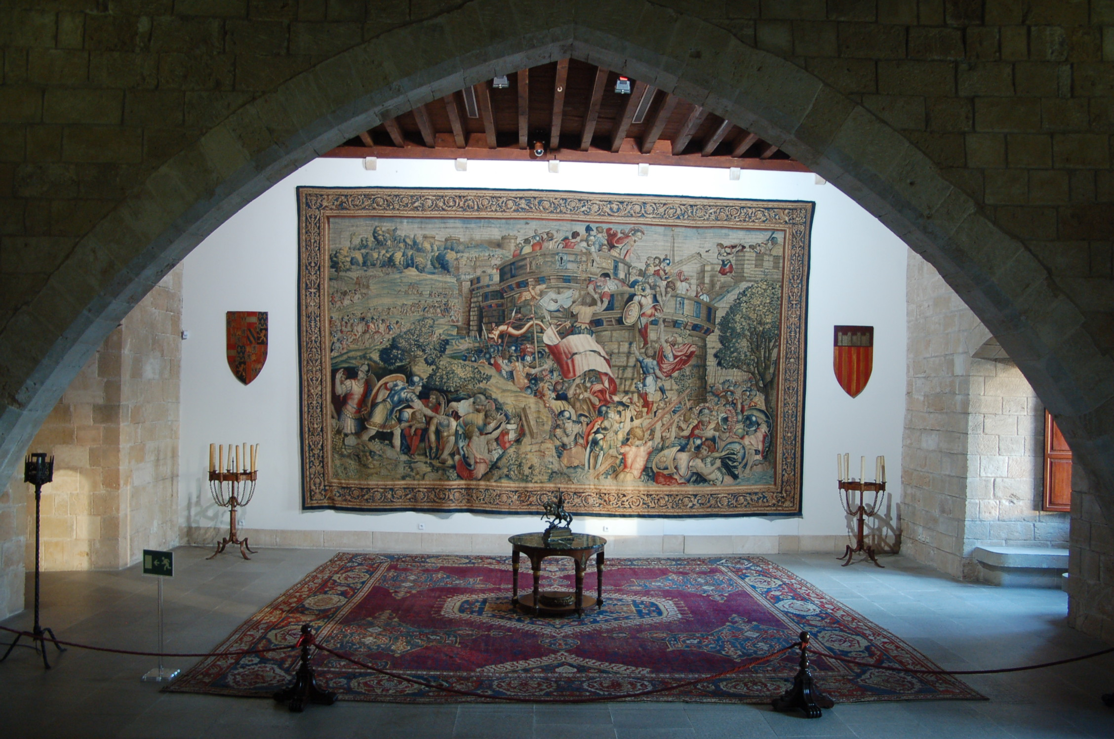 Royal Palace of La Almudaina - Palace in Mallorca - Thousand Wonders