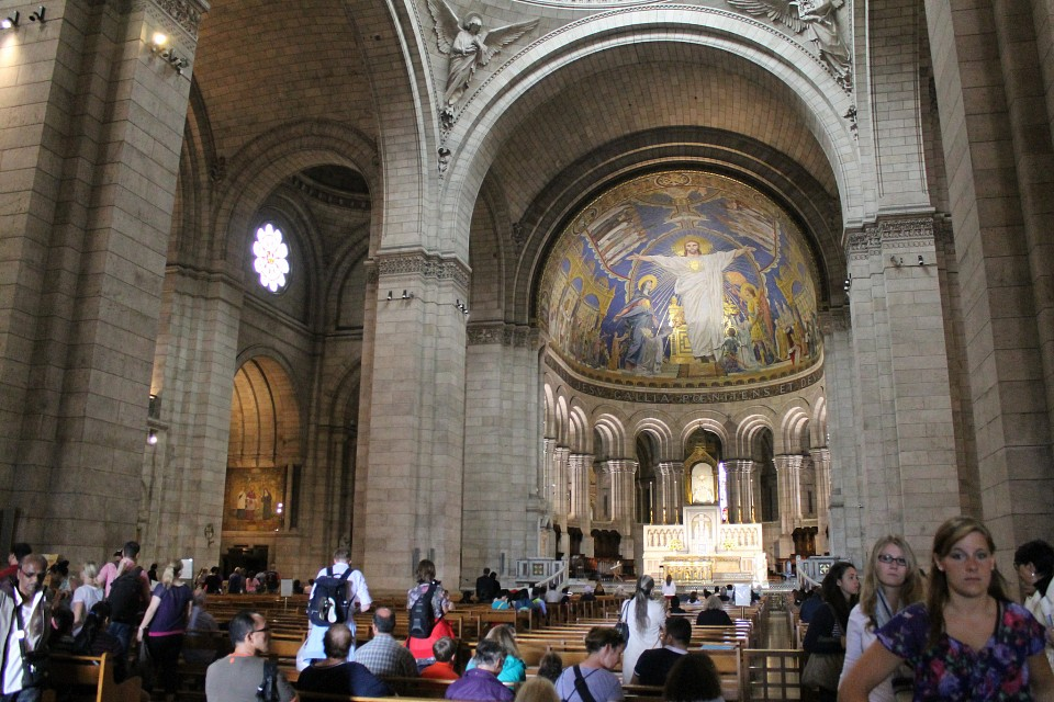 The lovely interior. - Sacre