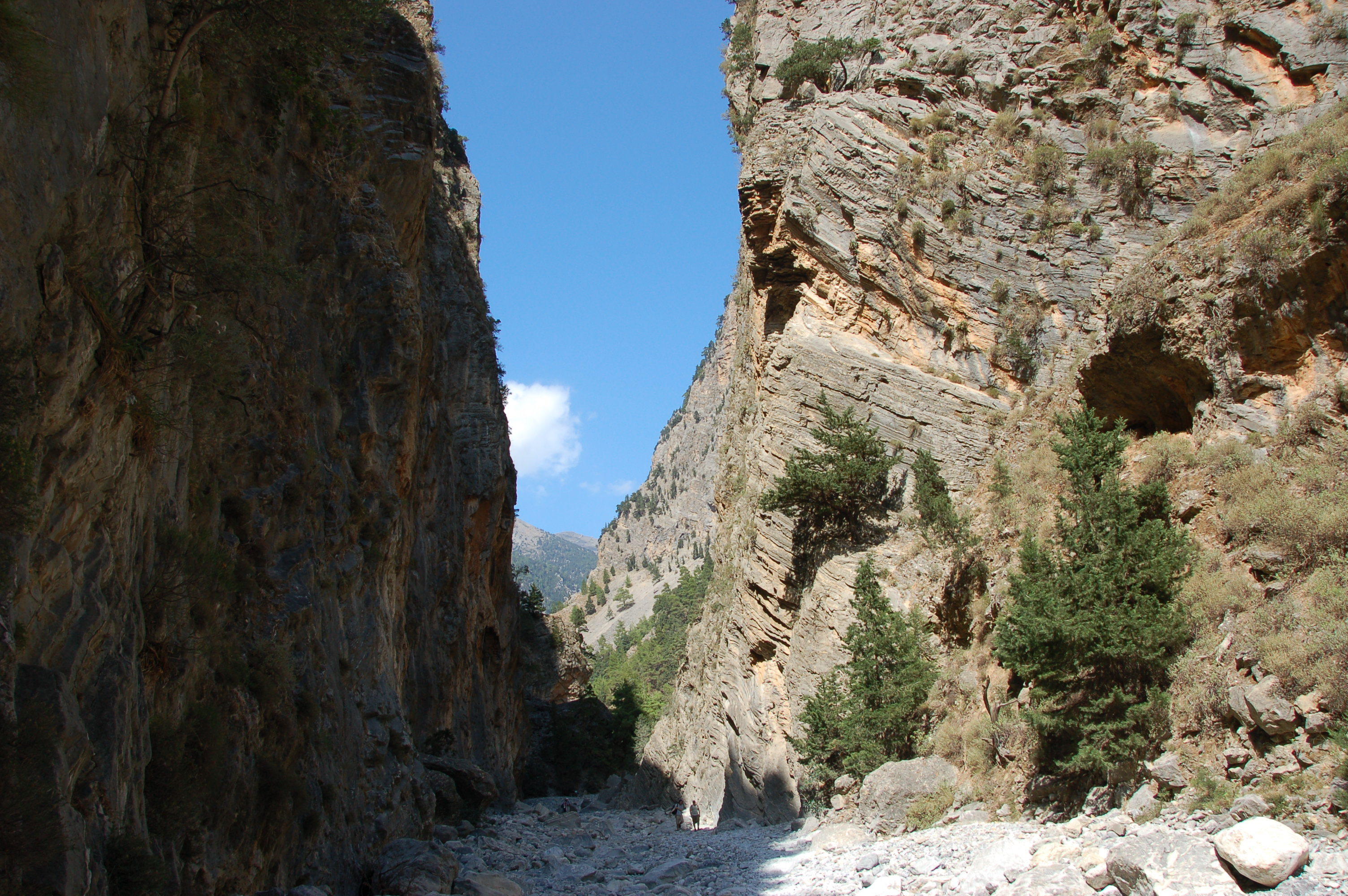 how to get to samaria gorge