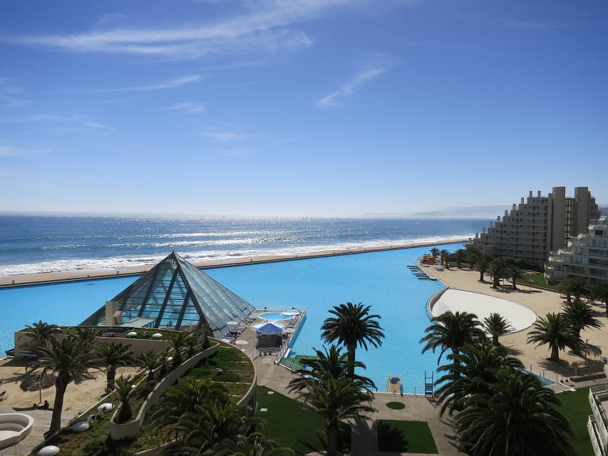The World's Largest Pool in San Alfonso Del Mar, Chile - San Alfonso del Mar