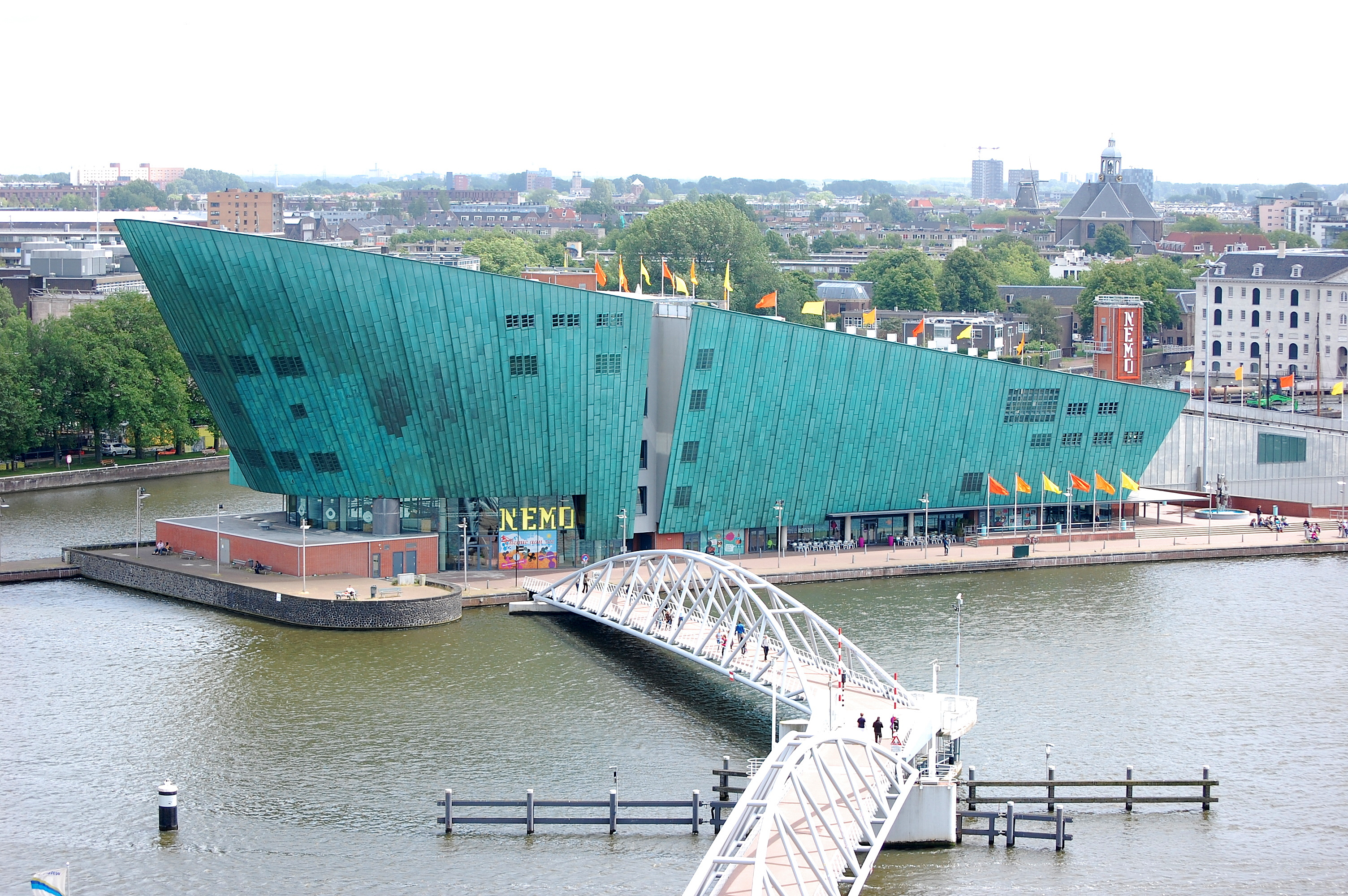 Science center nemo museum in amsterdam thousand wonders for Museum amsterdam