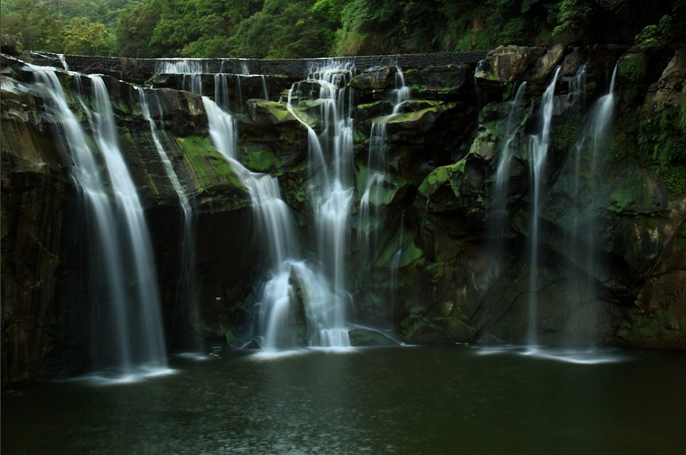 Shifen waterfall - Shifen waterfall