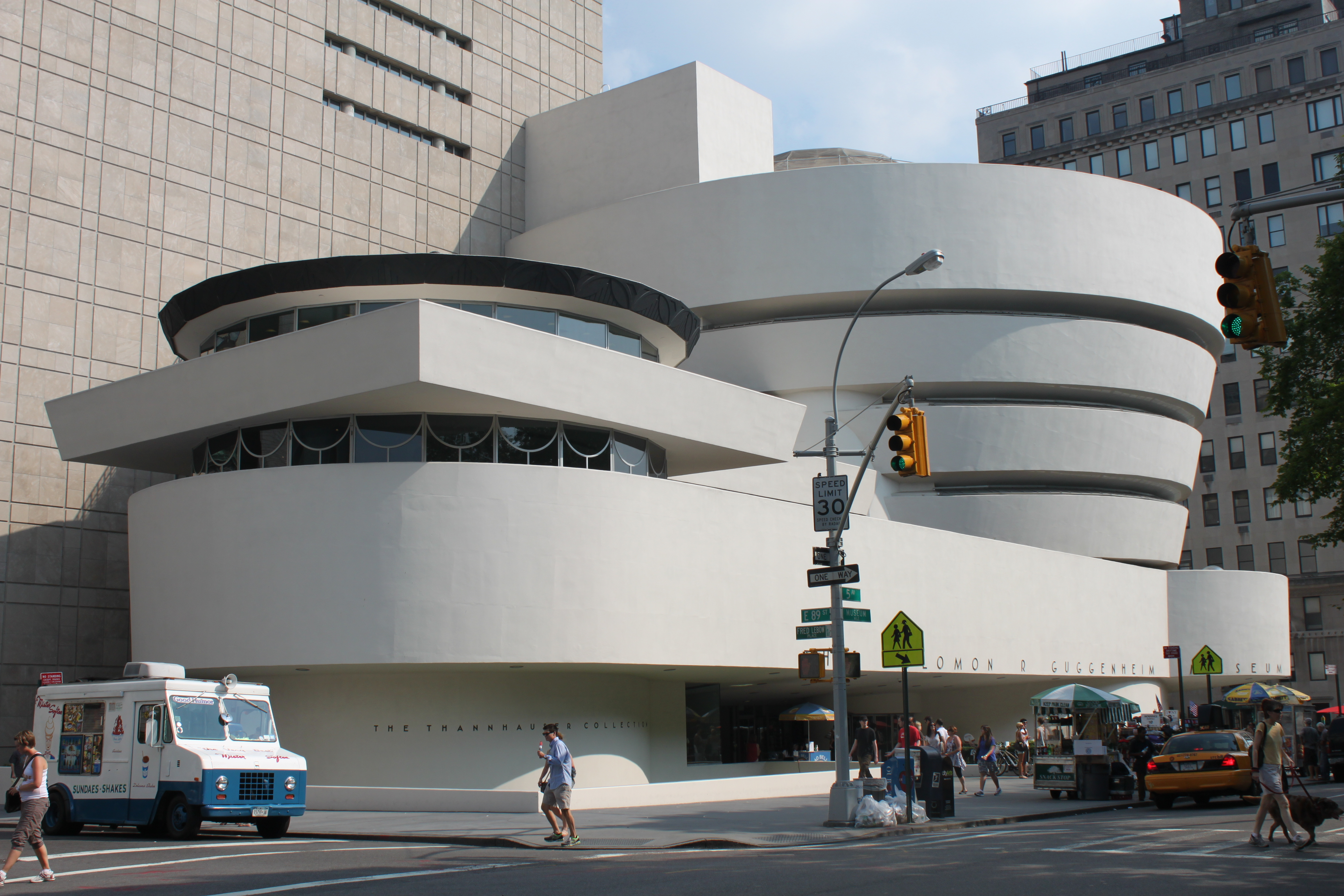 the guggenheim museum Frank lloyd wright's most iconic building was also one of his last the reinforced- concrete spiral known as the solomon r guggenheim museum opened in.