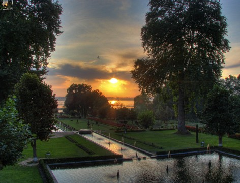Sunset at	Nishat Bagh