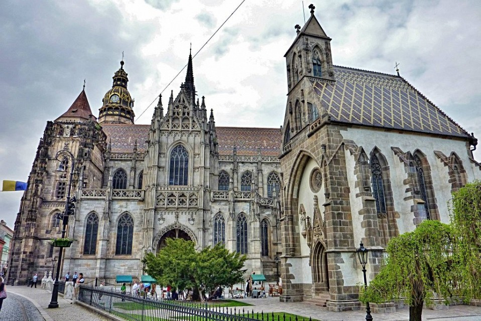 Kosice - St Elisabeth Cathedral and St Michael Chapel - St. Elisabeth Cathedral