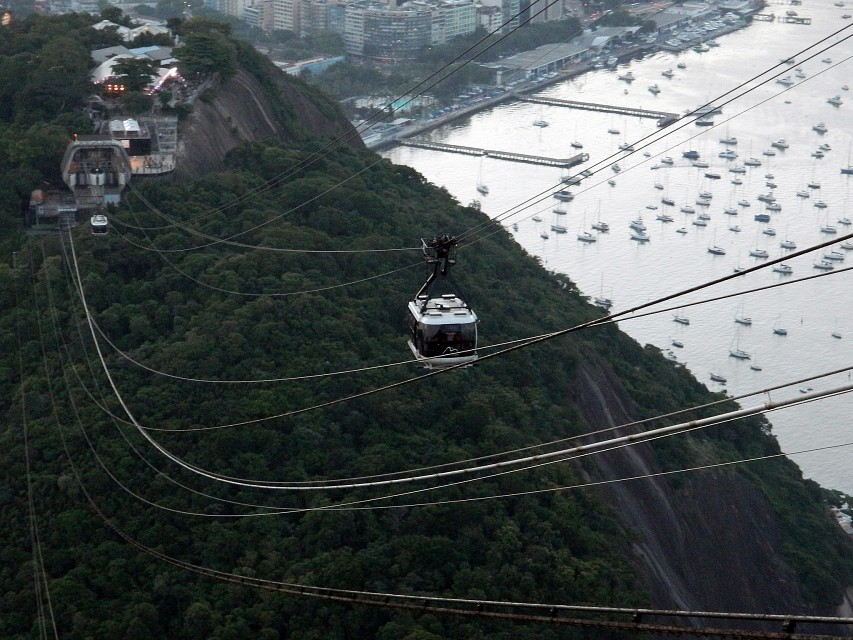 Sugar Loaf Cable Car 01 - Sugarloaf Mountain