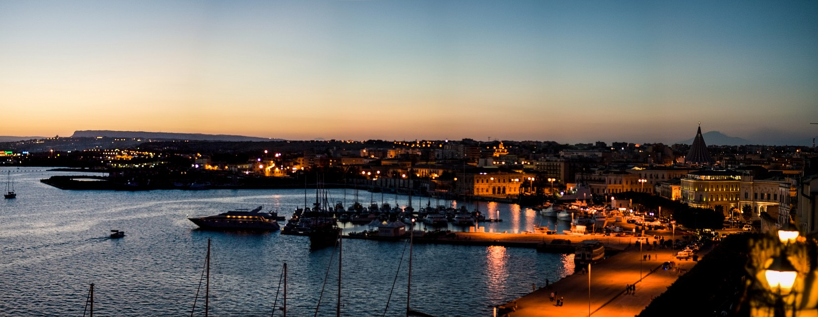 Dusk in Ortigia 04 - Syracuse