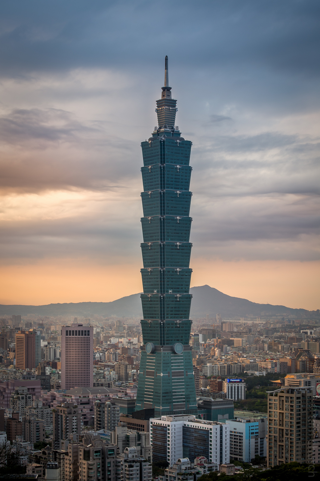 google map location with Taipei 101 on Rdo equipment  pany moreover File Marshall Point Lighthouse by Sunset besides R C3 A5dhuset Metro Station in addition File Celest C3 BAn  Yucat C3 A1n  05 additionally Saint Symphorien Sur Coise.