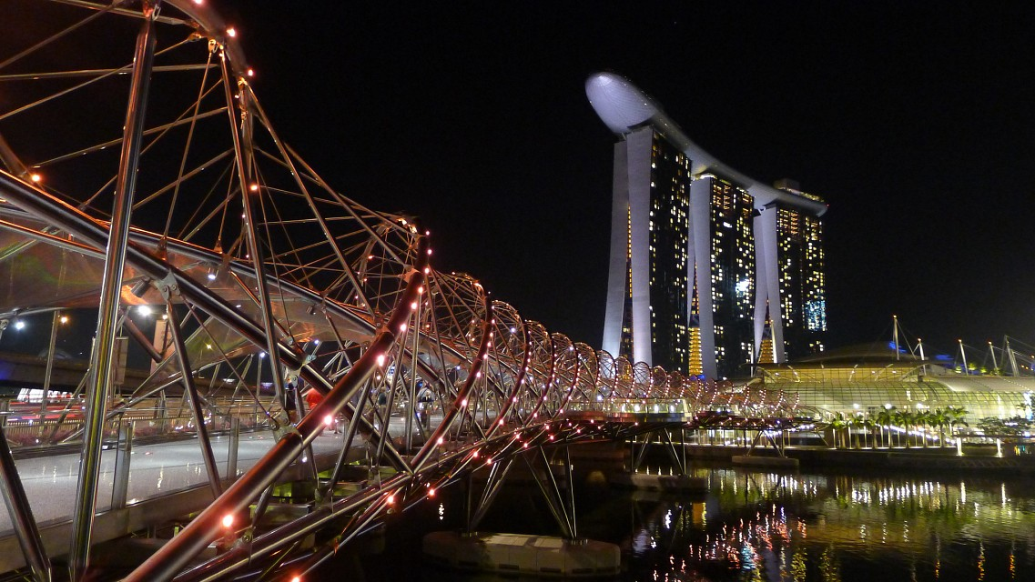 Marina Bay Sands - Singapore - The Helix Bridge