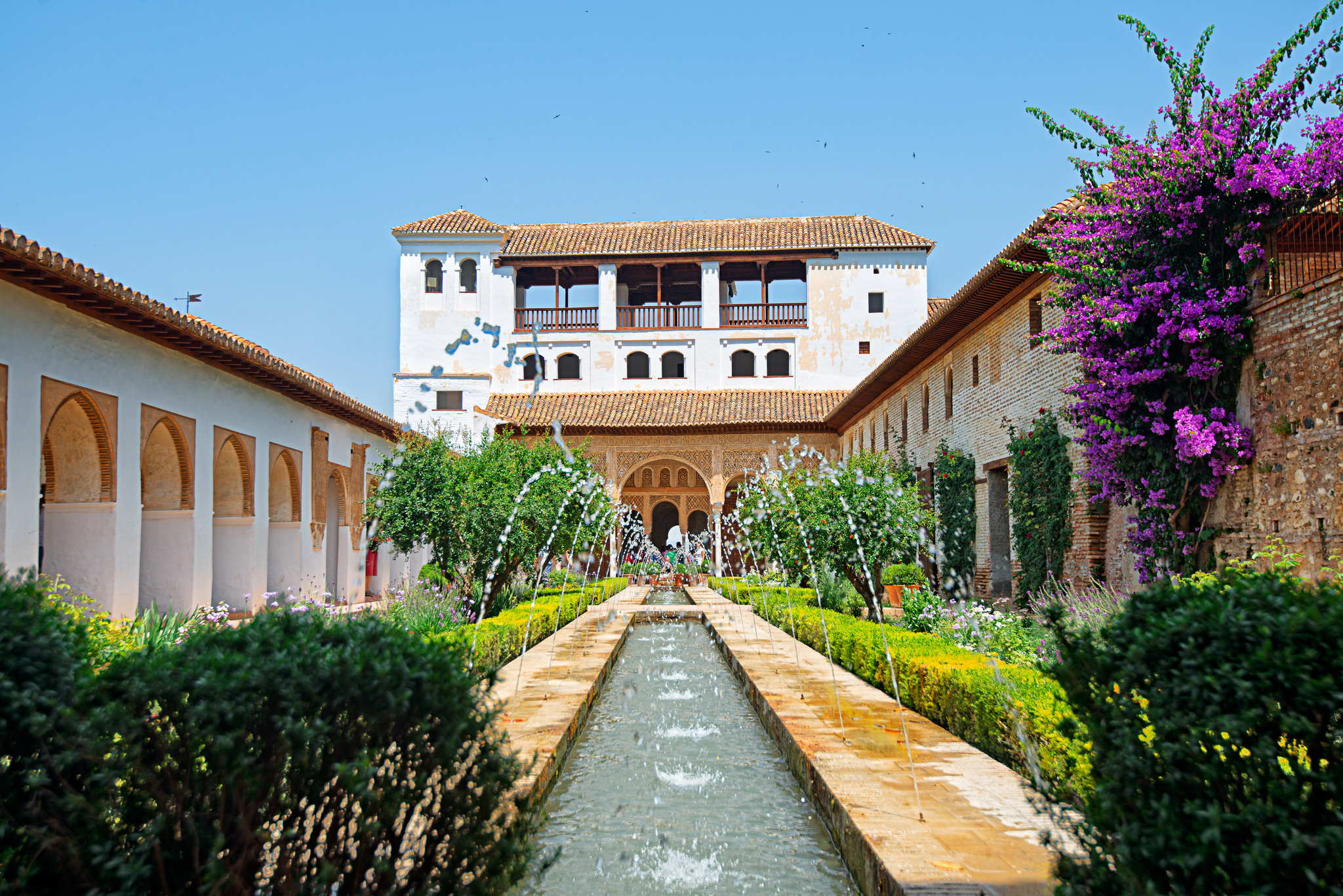 The palacio de generalife palace in granada thousand for El jardin de gomerez granada