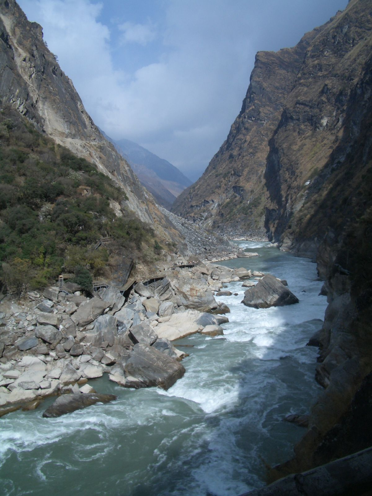 Tiger Leaping Gorge on Yangtze River