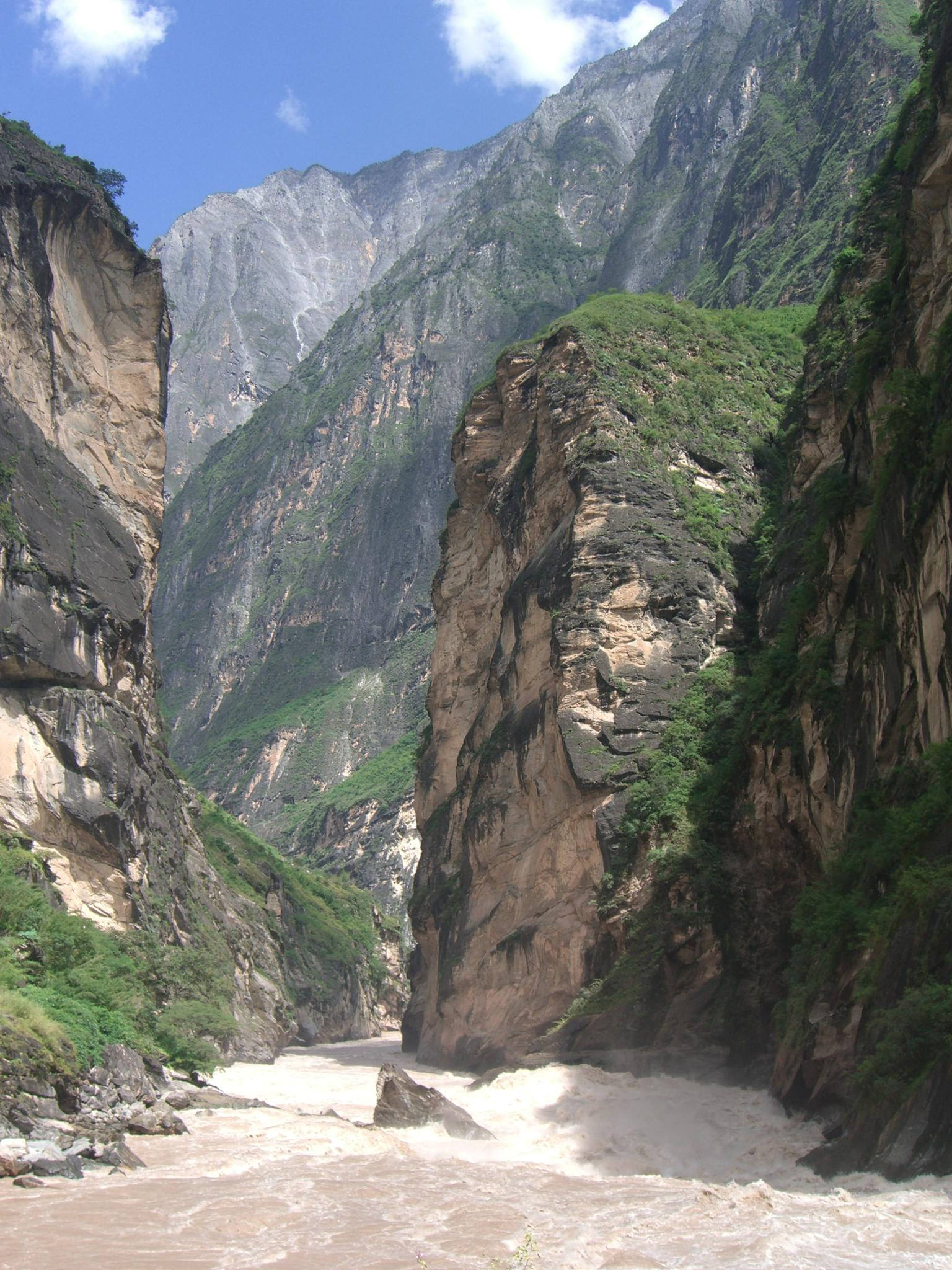 Yangjia River downstream - Middle gorge - Tiger Leaping Gorge