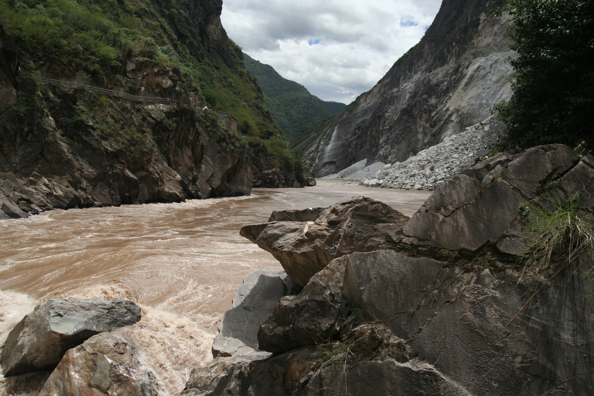 Prelude to the Tiger Leaping Gorge