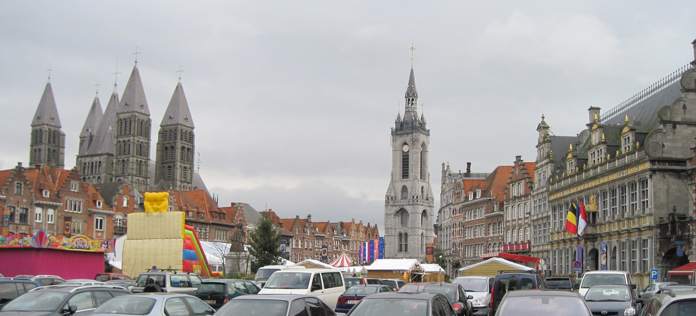 Grand'Place beffroi cathédral Tournai - Tournai