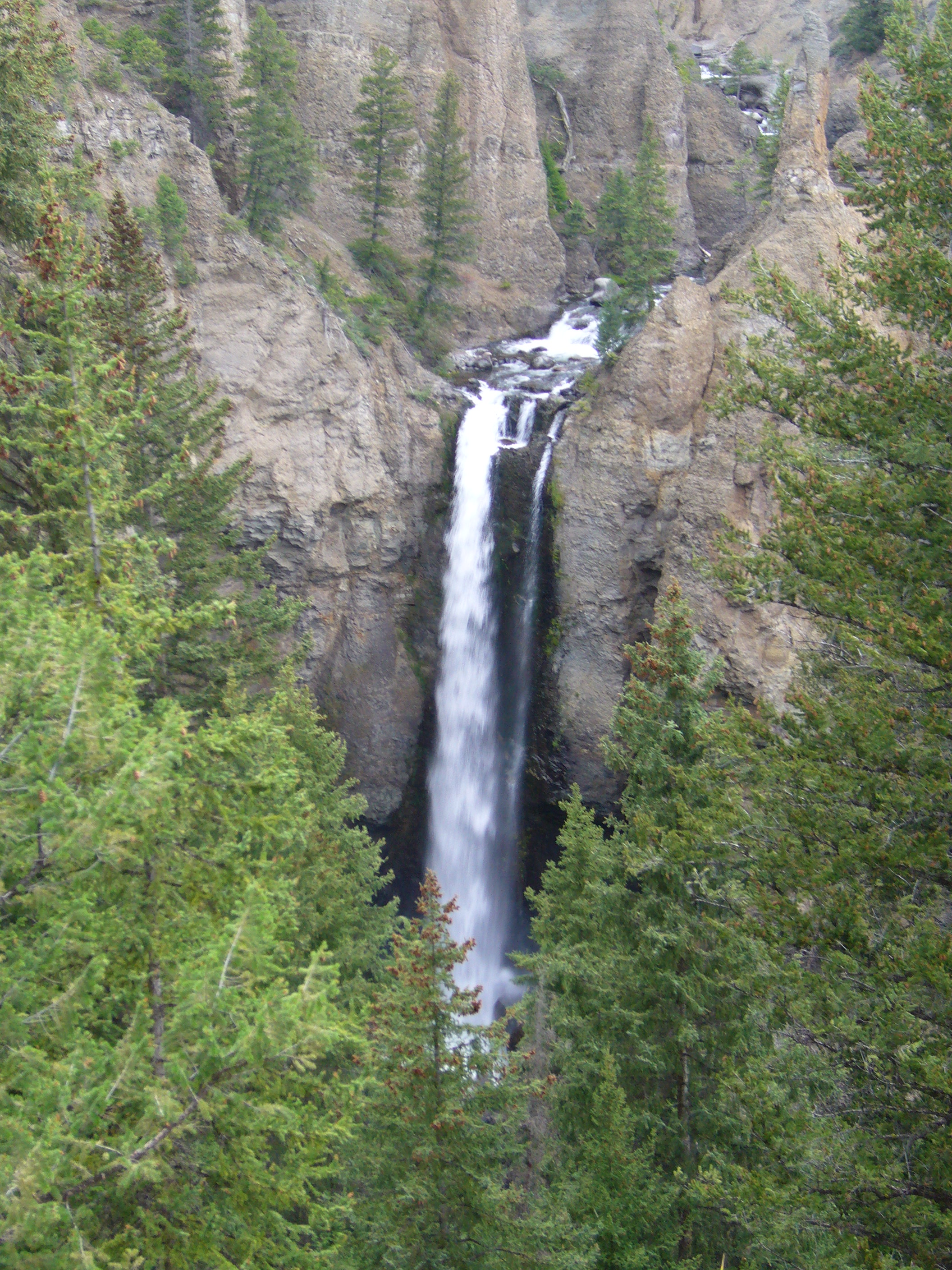 tower fall waterfall in yellowstone national park