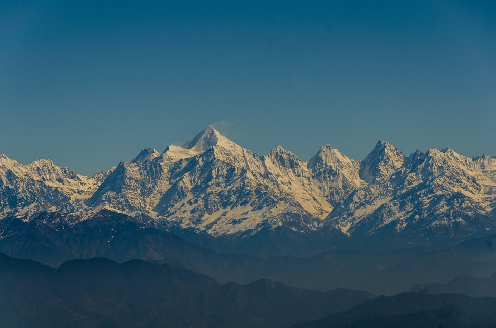 Trishul with the typical smoking mountain look - Trisul