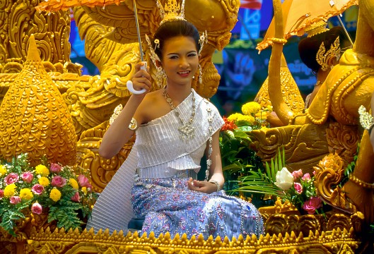 The grand candle procession - Ubon Ratchathani