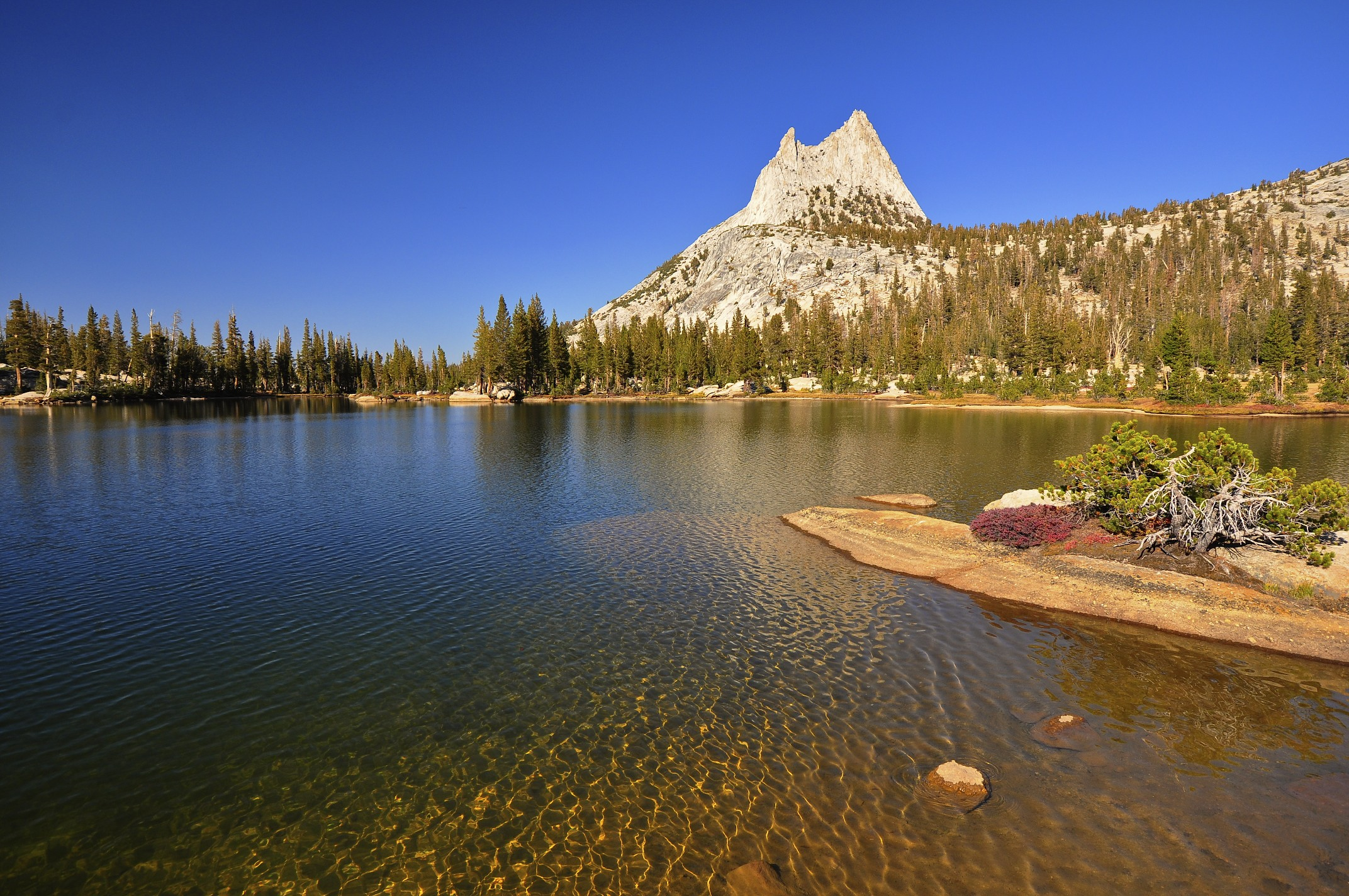 Natural Wonders Of The United States Upper Cathedral Lake Lake In Yosemite National Park