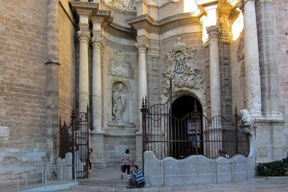 Behind the Gates - Valencia Cathedral