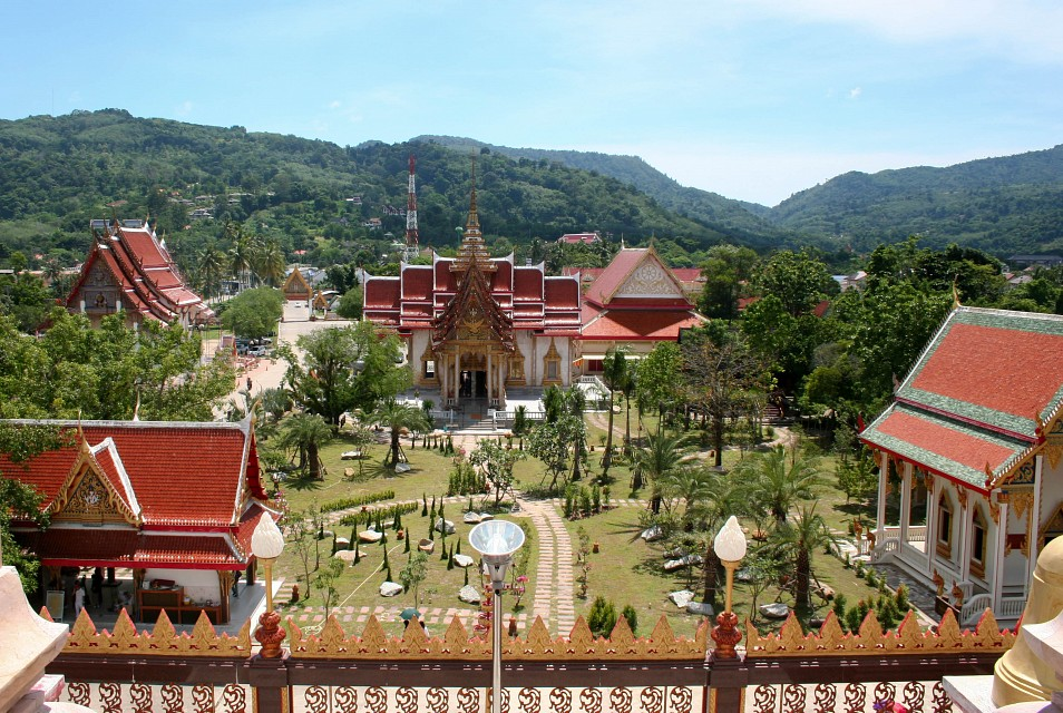 View to the garden from the WAT CHALONG - Wat Chalong