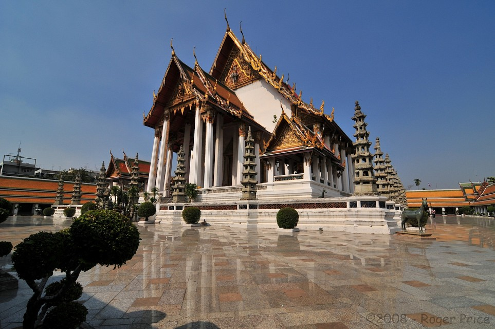 Wat Suthat - Temple in Bangkok - Thousand Wonders