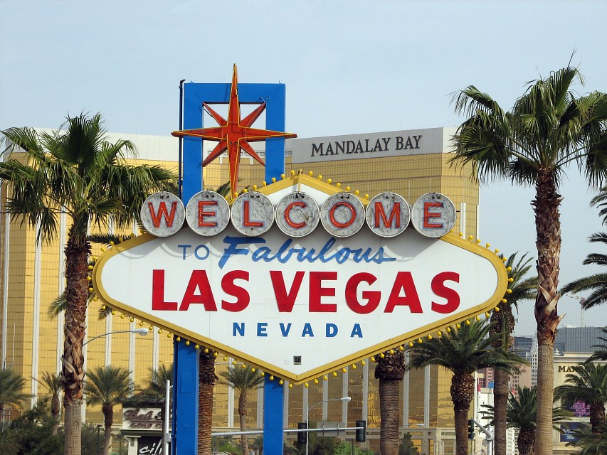 under - Welcome to Fabulous Las Vegas sign