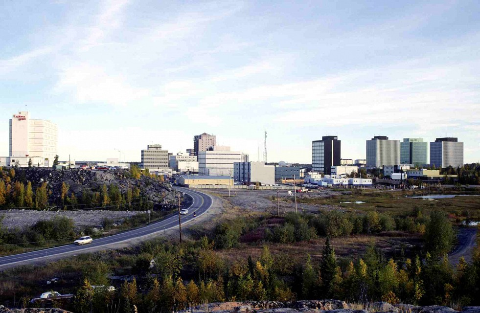 PWSNWT-ArchivesG-1995-001-6213 - Yellowknife