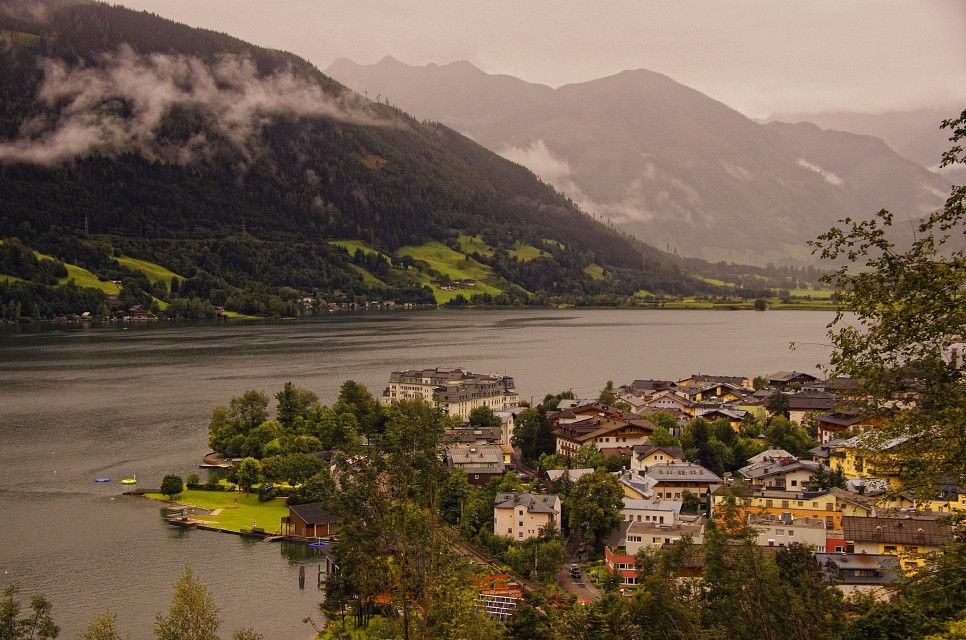 Views over a rainy Zell Am