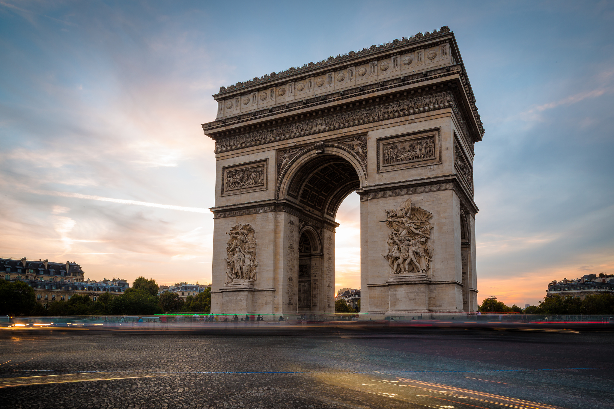 arc de triomphe monument in paris thousand wonders. Black Bedroom Furniture Sets. Home Design Ideas